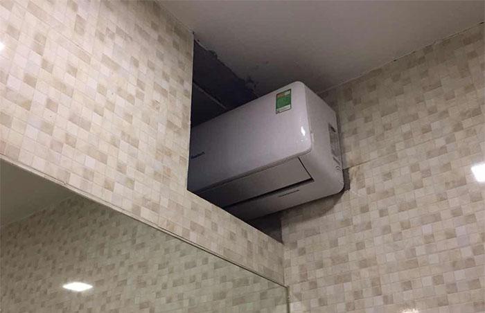 lắp 1 máy lạnh cho 2 phòng 2
